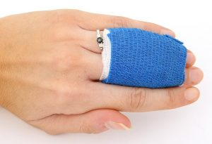 Tips on how to avoid moving injuries - hurt hand