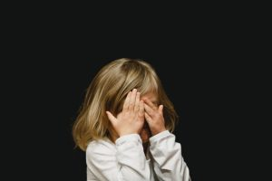 To help children settle into a new home pay special attention to their emotions and mental state